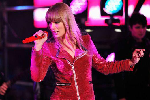 Taylor Swift at Dick Clark's New Years Rockin' Eve 2013