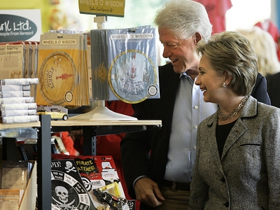Hillary Clinton and Bill Clinton Visit Lynn's Paradise Cafe, Louisville