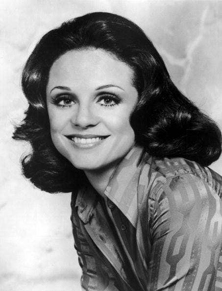 Valerie Harper as Rhoda Morgenstern
