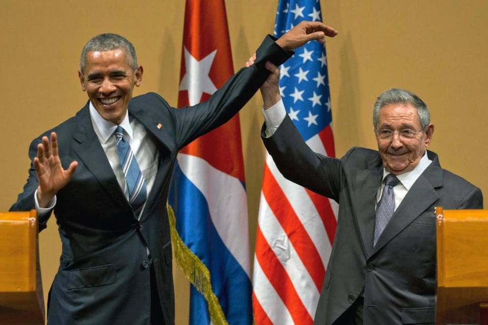 barack-obama-and-ramon-espinosa